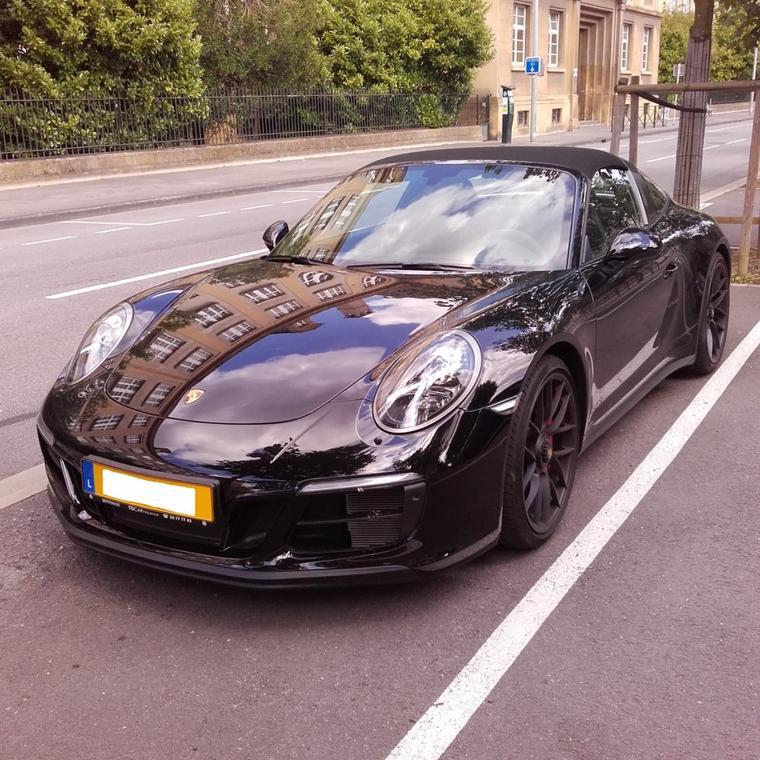 // PORSCHE 911 TARGA 4 GTS //