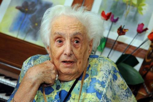 Paule Bronzini, âgée de 112 ans, notre doyenne.