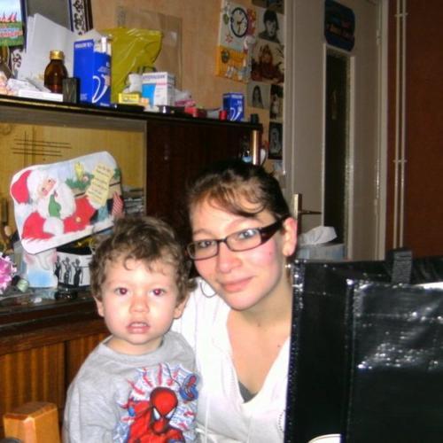 ma petites fille et  mon arriere petit fils