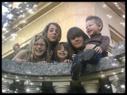 mes petites filles et mon arriere petit fils