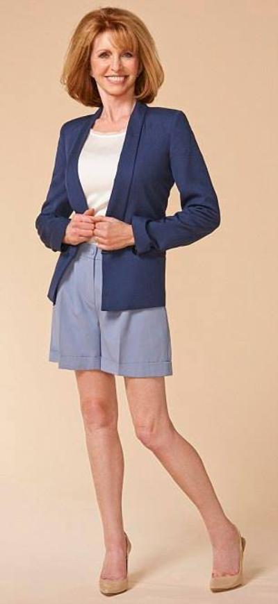 Photo shoot : Jane Asher modeling shorts.