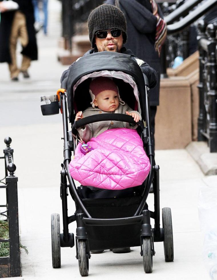 Peter Dinklage à été aperçu dans les rues de New York avec sa fille