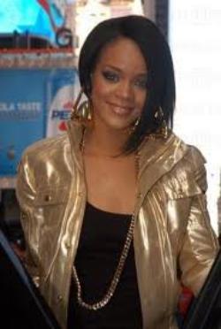 ♥ Rihanna , tjrs elle ♥