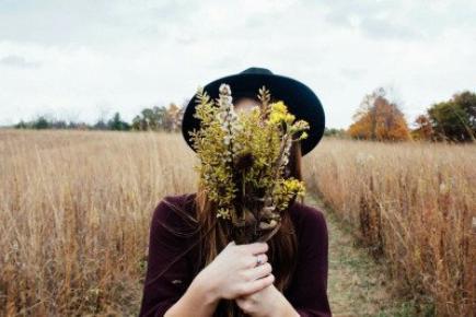 """""""Ce qu'on appelle se rappeler un être est en réalité l'oublier"""" -  Marcel Proust"""