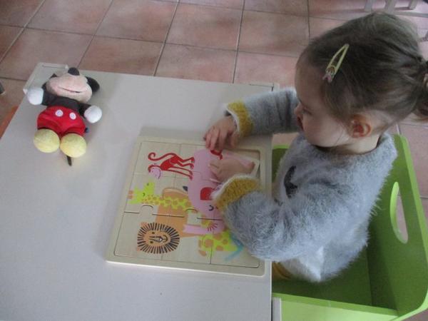 Le parc avec les boules, le collage hérisson la peinture les puzzles...chez tatie on ne s'ennuie jamais