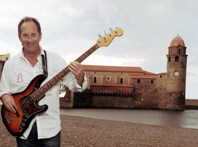 Dominique RENOULT MCLEAN bassiste à Collioure ...