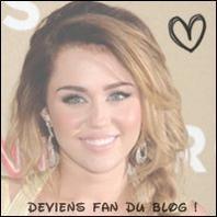 """Miley a un nouveau tatouage (le septième) ! Elle s'est fait inscrire sur son biceps """"Love never dies"""", qui signifie """"l'amour ne meurt jamais""""."""