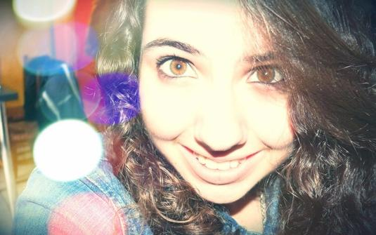 J'ai appris à sourire pour faire le bonheur des autres, et derrière ce sourire il y a un coeur en bordel.