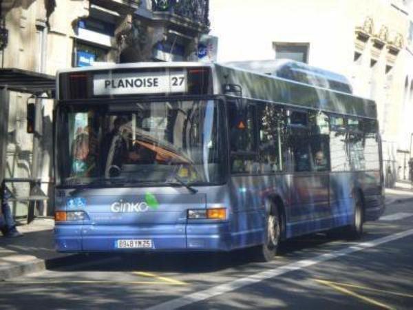 HEULIEZ GX 317  GNC (moteur GNC volvo) type STANDARD  numérotés de 439 à 442 : 4 bus identique en circulation  actuellement.