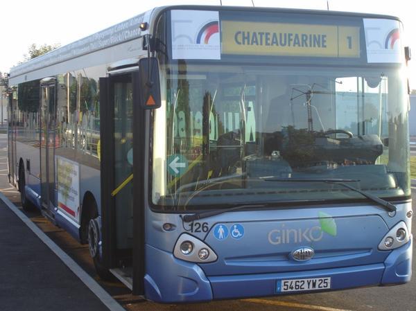 HEULIEZ GX 327 (moteur diesel) type STANDARD  numérotés de 125 à 128 : 4 bus identique en circulation actuellement.