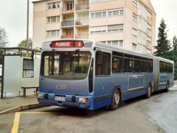 RENAULT PR 180.2 (moteur diesel ) type ARTICULE numerotés 521 et 525 : aucun bus en circulation.
