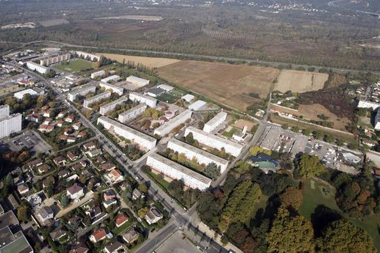 Ex      Z.U.P     ., Grappinière         ,   Petit   Pon  .      Vaulx-en-Velin      .  Rhône (69)