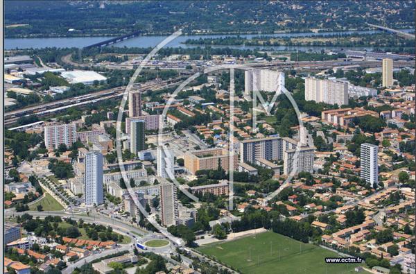 Monclar         .               Avignon      .   Vaucluse             (84)