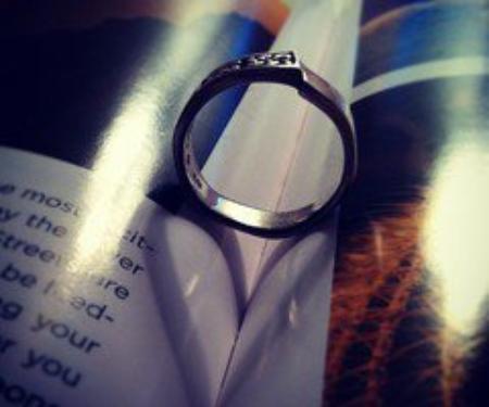 Seul l'amour peut garder quelqu'un vivant. [Oscar Wilde]