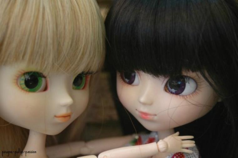 petite séance photo de mes deux miss (partie 1) ( anciennes custo)