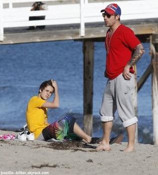 Le 18 févrierJustin & Selena a était apreçu a  la plage