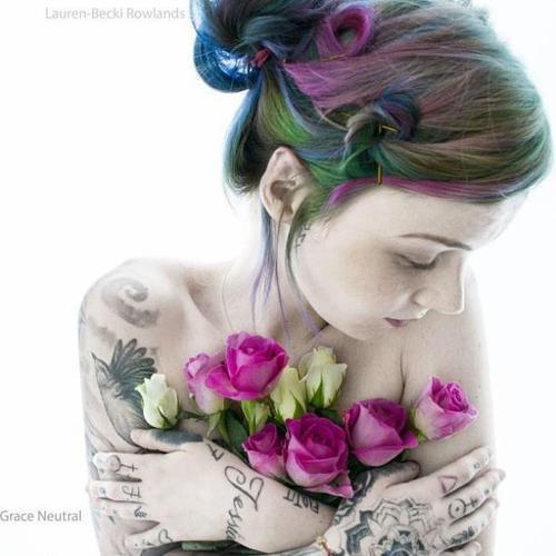 Grace Neutral - Tatoueuse