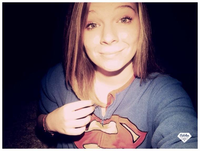 Le courage c'est sourire quand tout va mal.