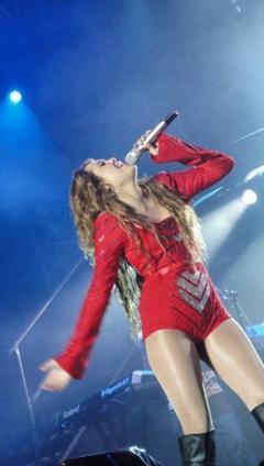 Tenue de Miley Cyrus sur scene