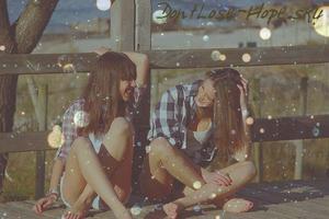 L'amitié en son état pur est inconditionnelle, c'est-à-dire que de vrais amis ne se jugent pas, et ne tiennent pas compte du temps qui passe.