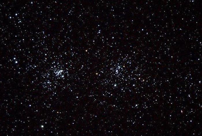 """""""Ce n'est que quand il fait nuit que les étoiles brillent."""""""
