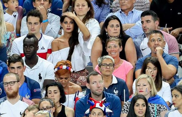 Erika Choperana & Malika Menard assistent à la finale France - Portugal au Stade de