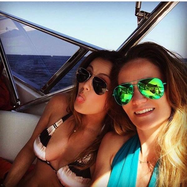 Claire & Laurent Koscielny en vacances avec Marine Lloris