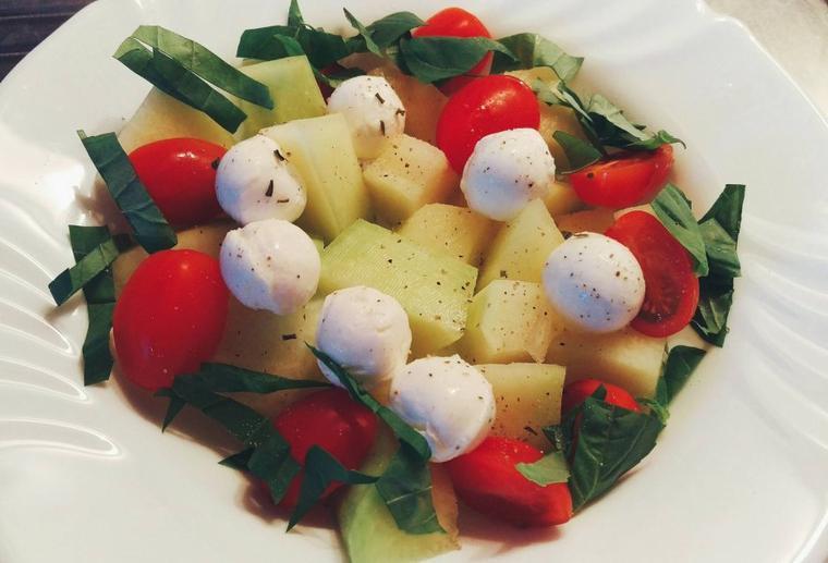 Salade de melon au pineau.
