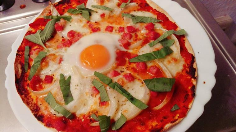 "Pizza ""healthy""."