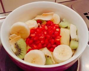 Salade de fruits diverses et variées.