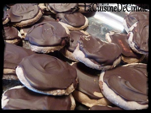 Biscuit au Sarrasin sans beurre Nappé au Chocolat