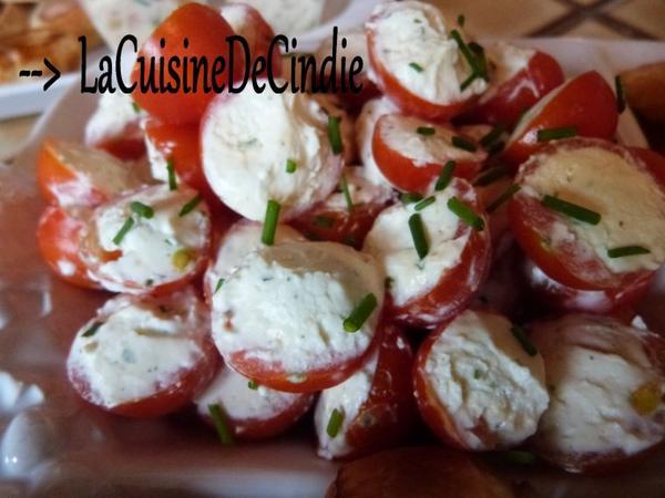 Tomate cerise farcies ail et fines herbes