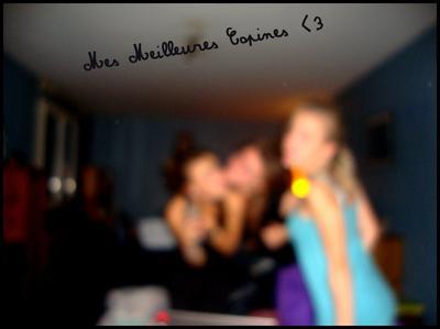 > VICTORIA , MARiE & R0SiE ♥
