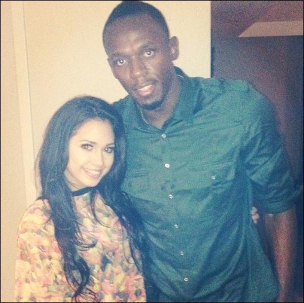 .   Le 20 Novembre, Jasmine est sortie et elle a rencontré Usain Bolt. + infos  .