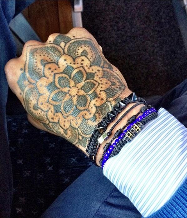 Nouveaux tatouages (Nigel De Jong)