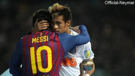 """César Luis Menotti: """"Si Neymar veut être comme Messi, il faut qu'il signe au FC Barcelone"""""""