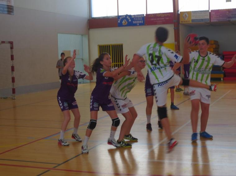 Belle performance des -14 ans mixtes face au CBHB