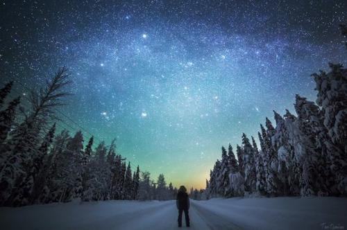 Ce qui est admirable, ce n'est pas que le champ des étoiles soit si vaste, c'est que l'homme l'ait mesuré.