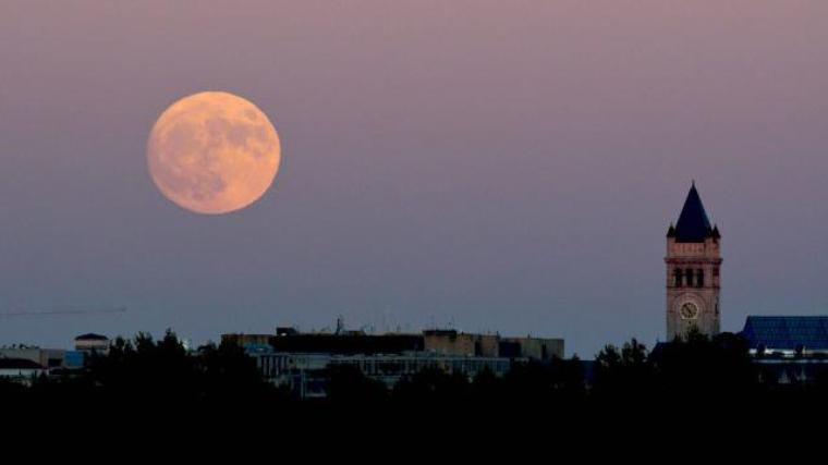 Pas vu la surper lune (merci le temps) mais d'autres amis oui
