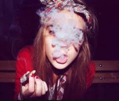 Clope - Drogue - Médicaments. SMILE.