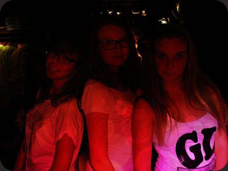 Mathilde ; 14 ans ; Celibataire [ :( ]