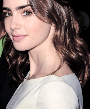 ➽ LILY COLLINS