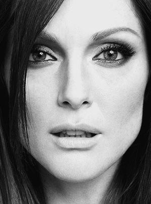 ➽ JULIANNE MOORE