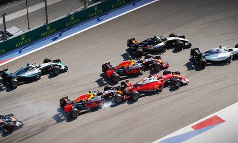 """Vettel : """"Je ne déteste pas Kvyat, mais..."""""""