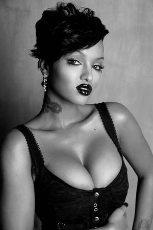 Make Up-Black Dark