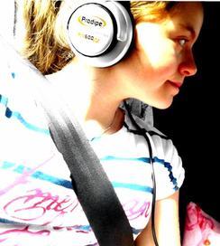La musique donne une âme à nos coeurs et des ailes à la pensée.