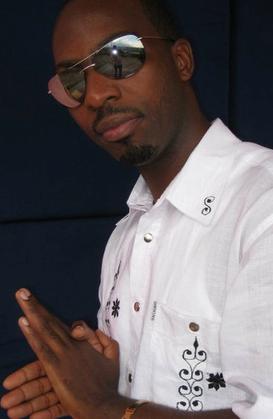 Portrait : Jones Franck, un artiste militant pour la paix dans la région