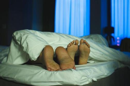 """""""Sous le drap, dormir à deux n'est pas du tout repos"""""""