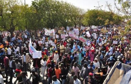 """Après Charlie Hebdo: """"Je suis Africain"""" une contre-manifestation à Dakar en vue"""
