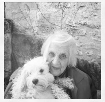 L'histoire de la vieille femme et son chien